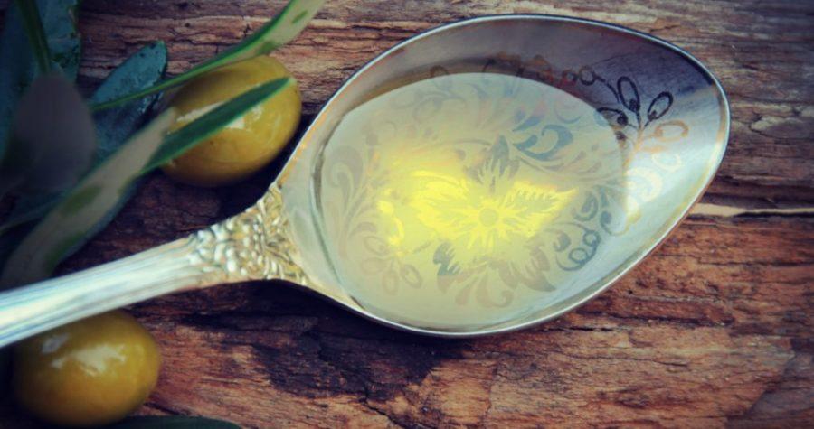 Olio extra vergine di oliva, olio italiano, olio spremitura a freddo